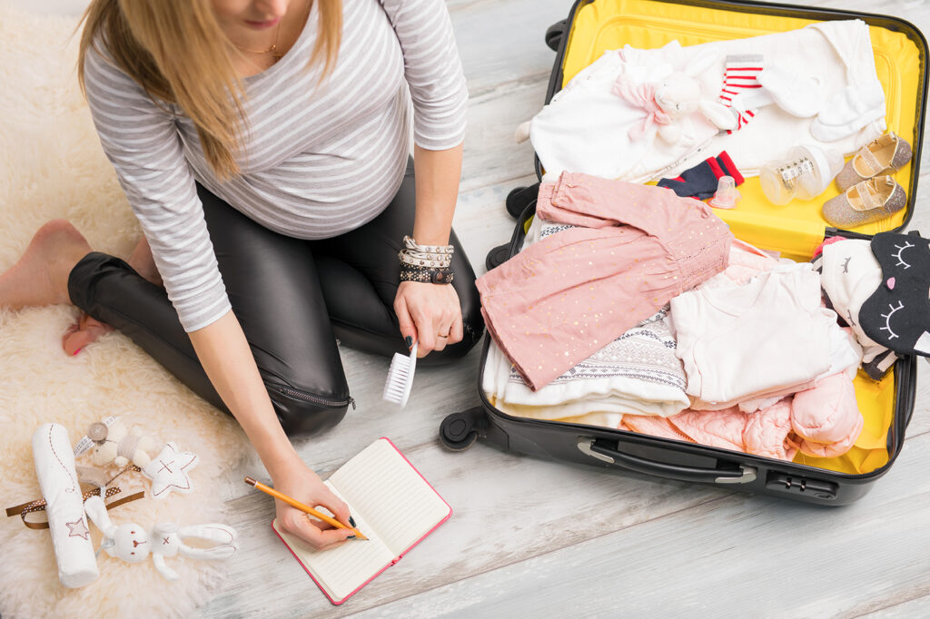 What should you pack in your hospital bag? Here are 10 picks!