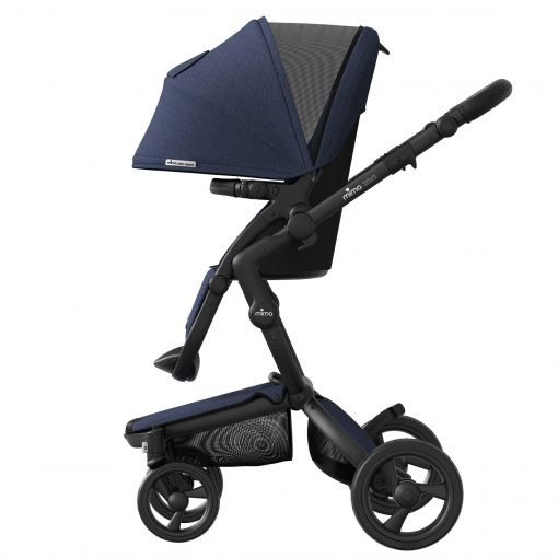 Xari Sport Canopy extends to keep the sun out of baby's eyes