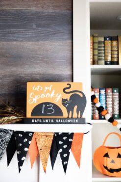 pearhead Halloween Chalkboard Countdown Sign